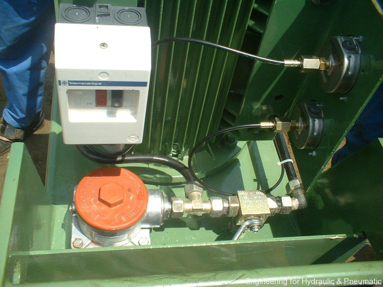 Hydraulic power pack16